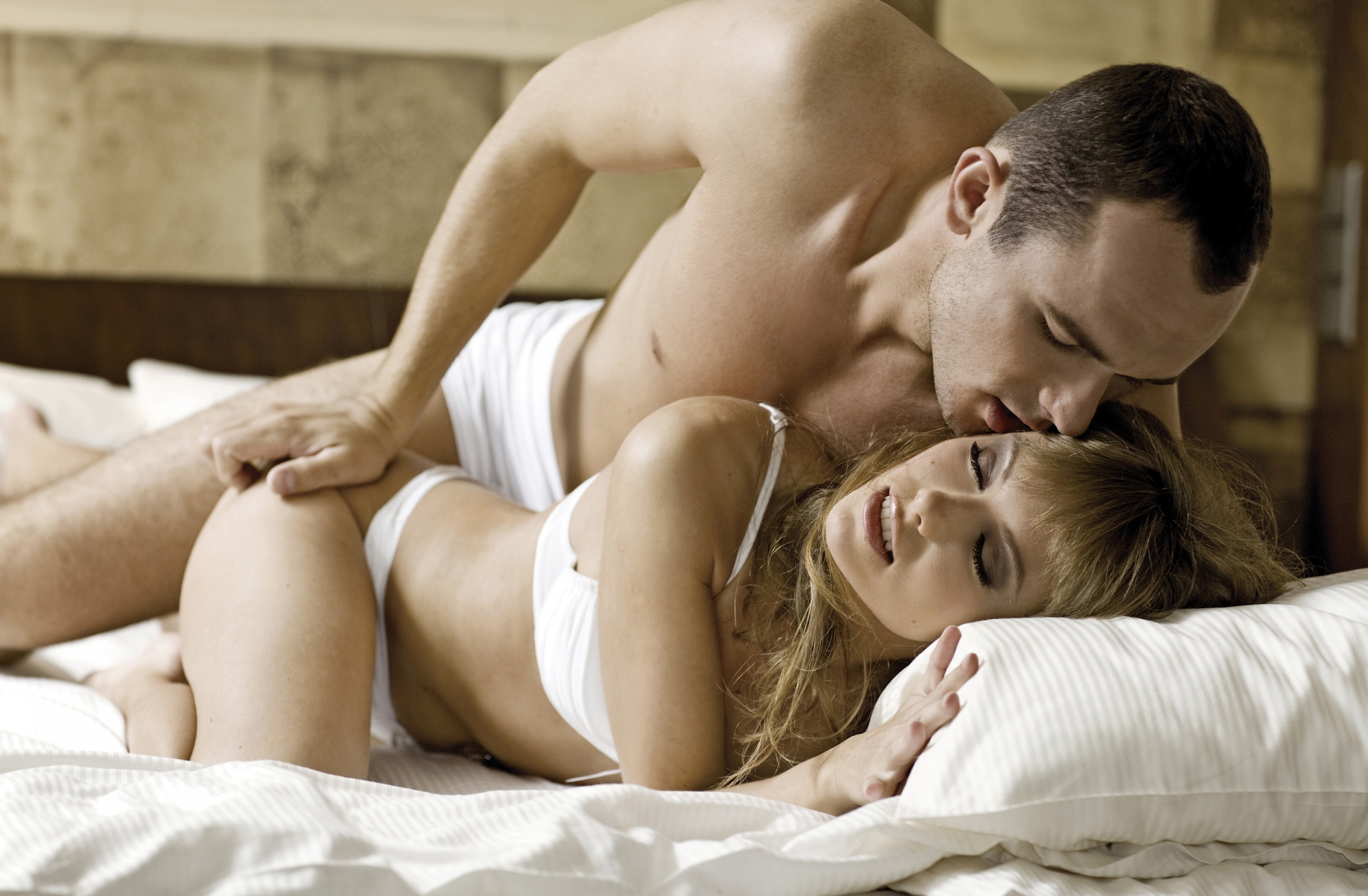 Vintage family threesome in bed fun sex images